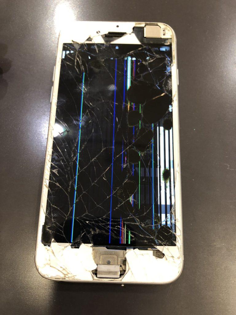 ホームボタンがちぎれたiPhone6s