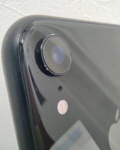 カメラガラスなどに損傷が無い事が確認出来るiPhoneXR画像