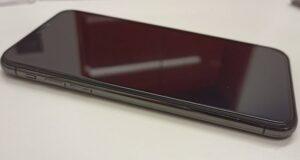 バッテリー交換修理で盛り上がっていた画面もしっかり収まったiPhoneX画像
