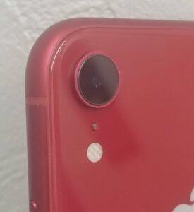 内部の水気除去などの作業を行い綺麗になったiPhoneXRの外カメラの画像