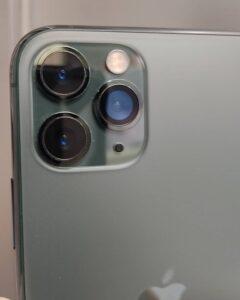 修理で新しいカメラレンズが付いて綺麗に直ったiPhone11Pro画像